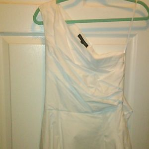 BR white one shoulder dress sz 6